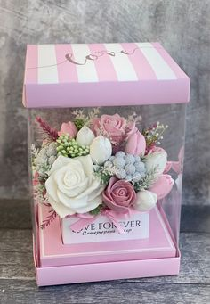 Balloon Flowers, Boquette Flowers, Paper Flowers, Flower Box Gift, Flower Boxes, Paper Flower Wall, Flower Wall Decor, Diy Yarn Decor, Chocolate Bouquet Diy