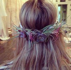 Air plant hair garland from Stone Fox Bride.