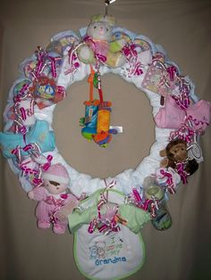 diaper wreath how to make for baby shower  | ... View topic - Pictures/Instructions: KrafteeKaren's Diaper Wreath/Cake