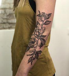 44 New Ideas Nature Tattoo Sleeve Thoughts Pretty Tattoos, Cute Tattoos, Beautiful Tattoos, Flower Tattoos, Small Tattoos, Tatoos, Floral Arm Tattoo, Piercing Tattoo, Botanisches Tattoo