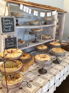 Check out local farmers market Dallas locations that. Farmers Market Display, Farmers Market Recipes, Market Displays, Bake Sale Displays, Craft Font, Cake Stall, Bakery Display, Cookie Display, Pie Shop