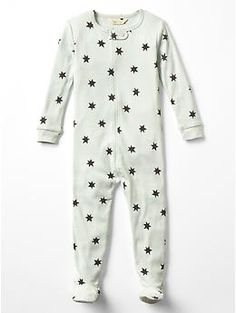 Save yourself the frustration & get zipper footie onesie jammies from Gap and Old Navy instead of the ones with snaps. I have no idea why they keep making things with snaps!