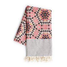 House of Rym Go Undercover Heavenly Honeycomb rose blanket