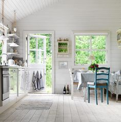 Kitchen - Swedish summer house in Sköna Hem - Via Mrs Jones
