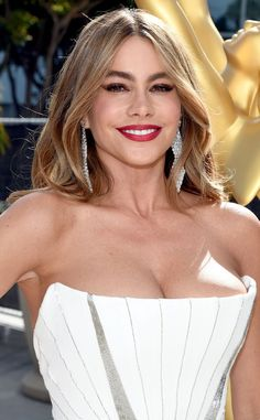 Sofia Vergara lets her lips do the talking with CoverGirl 507. Love it!