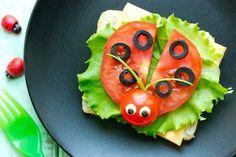 Leuke food art voor kinderen - Easy food art for children! Easy Food Art, Creative Food Art, Food Art For Kids, Food Design, Cute Food, Good Food, Party Food Platters, Funny Fruit, Food Carving