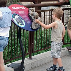 Interactive Zoo Signs Designed by Marion Spencer Zoo Signage, Signage Board, Wayfinding Signage, Parking Design, Signage Design, Interactive Installation, Nature Center, Outdoor Signs, Museum Exhibition