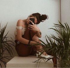 Instagram credit➡️ @sulegulenn  #turkish #gals #style #turkishwomanstyle #chic #cool #stylish #photography