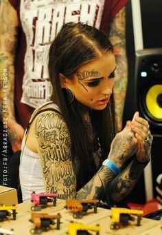 i listen hallelujah ? Pin Up Tattoos, Sexy Tattoos, Girl Tattoos, Sleeve Tattoos, Tattoo Girls, Arabic Tattoos, Bodysuit Tattoos, Cheek Piercings, Dimple Piercing
