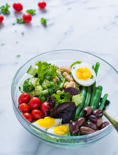 French Bean Salad - Crisp and chock full of protein, this salad is one you will want to feast on at lunch time to curb those naggy afternoon hunger pains. Studies have proven that eating a midday meal high in protein (and in the morning) prevents you from overeating in the evening. Thanks to the eggs and beans, this salad offers nearly 20 grams of protein so you can quiet those hunger pangs.