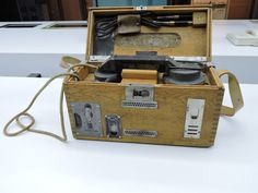Museo Telecomunicaciones - Teléfono de campaña portátil alemán de 1916 que se…