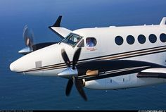 Hawker Beechcraft 250 King Air aircraft picture