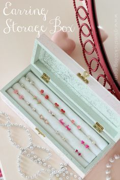 DIY Earring Storage Box: roll pencils in felt. Genius!