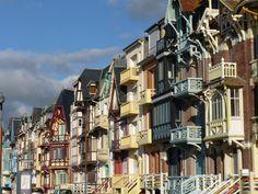 Old Houses, Places To Go, Beautiful Places, Paris, Photos, Cities, North Sea, Urban Landscape, Montmartre Paris