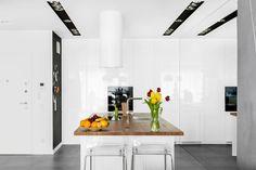 Our photoshoot for Decoroom Architects : Comedores de estilo moderno de Ayuko Studio