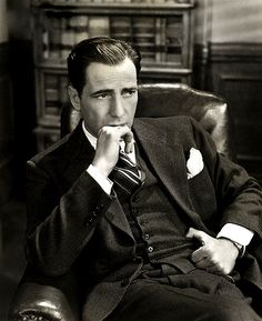 (Bogie - p.) Humphrey DeForest Bogart was an American actor and is widely regarded as an American cultural icon. In the American Film Institute ranked Bogart as the greatest male star in the history of American cinema Golden Age Of Hollywood, Vintage Hollywood, Hollywood Stars, Classic Hollywood, Humphrey Bogart, Classic Movie Stars, Classic Films, I Look To You, Bogie And Bacall