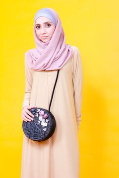 A nude dress with pink Hijab. Rattan Bag that is hand made all the way from India. A shirt dress for comfortable modesty. Zaryluq explores Modesty with Confidence with colours and fashion. Modest Fashion, Hijab Fashion, Modest Wear, Nude Dress, Industrial Style, Rattan, Confidence, Fashion Looks, Colours