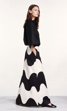 This graphic full-length skirt is made of heavy cotton twill in the black and off white Lokki pattern. The A-line skirt has side seam pockets and a concealed zipper at the left side seam. The hem always ends in a black Normal Body, Full Length Skirts, Marimekko, Boho Outfits, A Line Skirts, Off White, Boho Chic, High Waisted Skirt, Women Wear