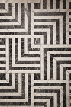 Hypnotic pattern ////  Black and white tiles