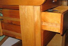 Wooden drawer slides Diy Storage Drawers, Under Sink Storage, Diy Garage Storage, Wood Drawer Slides, Cabinet Slides, Furniture Projects, Wood Furniture, Building Drawers, Nomadic Furniture