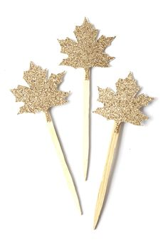 Add a bit of sparkle to your Thanksgiving Cupcakes! Details -set of 12 leaf Cupcake Toppers -Leaf measures inches tall, with stick it is approx 4 inches tall -made with gold glitter card stock and the back is white -single sided Glitter Cards, Gold Glitter, Thanksgiving Cupcakes, Cupcake Toppers, Card Stock, Sparkle, Fall, Autumn, Holiday