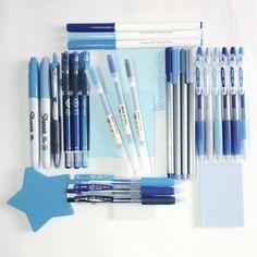 Stationery art; blue flat lay! Sharpie, staedtler, muji, pilot juice, pilot maica, crayola super tips, pens, post it, stars, stationery addict. Instagram: Deniz @stationerysatellite