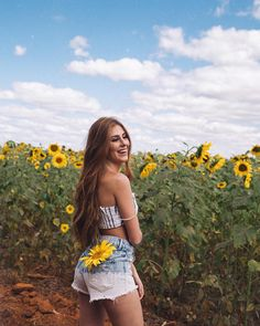 58.7k Followers, 979 Following, 1,170 Posts - See Instagram photos and videos from Caio Souza (@caiosouzak3) Portrait Photography Poses, Tumblr Photography, Outdoor Photography, Girl Photo Poses, Picture Poses, Girl Photos, Sunflower Field Pictures, Sunflower Field Photography, Insta Photo Ideas