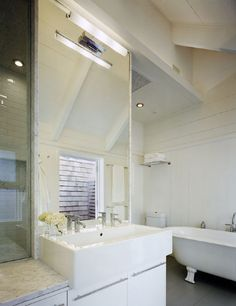 Bathroom in Montauk Lake House by Robert Young | Remodelista