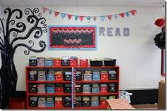 Love this teacher's organized and adorable classroom library!