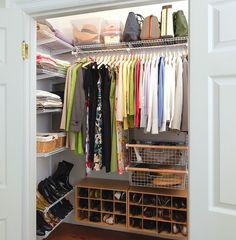 An organized small apartment closet to drool over