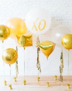 Gold & White Individual Balloons Backdrop — Paris312 Bridal Balloons, Glitter Balloons, Balloon Wedding, Balloon Backdrop, Balloon Tassel, Engagement Photo Props, Wedding Engagement, Glitter Shower Curtain, Printed Balloons