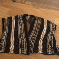 UO Poncho Cardigan Super thick, warm material. Brand is Ecoté purchased at UO. Size is XS/S. Only worn twice Urban Outfitters Sweaters Cardigans