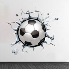 Bola de futebol a sair da parede em vinil autocolante decorativo de parede - www.iconstore.pt Wall Painting Decor, 3d Painting, 3d Wall Art, Soccer Art, Football Art, Wall Design, Design Art, Soccer Bedroom, Bus Art
