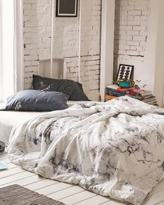 """""""All marble everything. ⚪️⚫️ #UOHome #urbanoutfitters"""""""