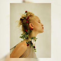 Photo by LaneLang. Make up and hair Fashion Photography Inspiration, Portrait Inspiration, Editorial Photography, Portrait Photography, Kreative Portraits, Beauty Shoot, Floral Fashion, Beauty Editorial, Photo Art