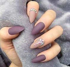 nails, beauty, and matte image # Photo of Nailart matt Manicure Tips.- nails, beauty, and matte image # Photo of Nailart matt Manicure Tips. discovered by Eva Gombos How To Do Nails, Fun Nails, Best Nails, Chic Nails, Best Nail Art, Stelleto Nails, Grow Nails, Purple Nail Art, Matte Purple Nails