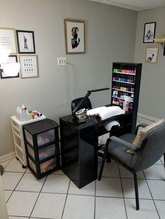 Home based nail salon! Nellie Bean Nail Studio in Douglasville Georgia Home Beauty Salon, Home Hair Salons, Beauty Salon Decor, Home Salon, Nail Salon Design, Nail Salon Decor, Salon Interior Design, Nail Room, Nail Desk
