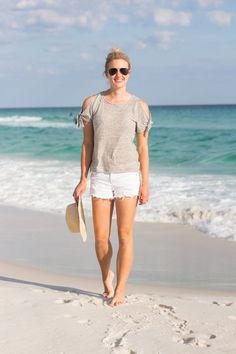 10 Summer Beach Day Essentials via Florida blogger Jamie Kamber #beach #summer #Destin #florida