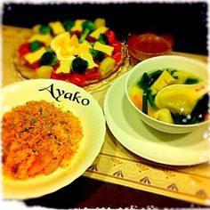 「ガドガド」は、インドネシアのお料理で、「ごちゃまぜ」という意味です♪ 甘辛いピーナツソースをかけて、頂きます(*^^*) - 171件のもぐもぐ - 豚キムチ炒飯、水餃子のスープ、温野菜のガドガドサラダ by ayako1015
