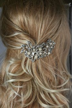 Starla Swarovski crystal and pearl elegant bridal hair comb $58