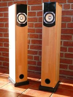 A number of well doccumented Do-It-Yourself (DIY) Speaker and Subwoofer Projects and kits for audiophiles and woodworkers. Hi-Fi Loudspeaker Kits. Wooden Speakers, Diy Speakers, Built In Speakers, Homemade Speakers, Audiophile Speakers, Hifi Audio, Diy Electronics, Electronics Projects, Speaker Plans