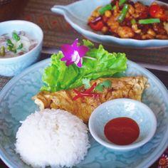 ちょっと早いですが、9月の初級クラスのメニュー&スケージュルをブログにアップしました😃💕興味がありましたら、是非HPにブログをご覧になってください〜🎶😍✨ . . #sirikitchen #photooftheday #foodporn #foodofinstagram #タイ料理教室 #タイ料理 #タイ料理スクール #タイ料理つくる #料理教室 #omlette #thaifood #thaiomelette #料理教室 #ランチ #エスニック料理 #アジアン料理 #クッキング #クッキングラム #美味しい #トムカーガイ #フードスタイリング #フードコーディネート #フードスタイリスト #onthetable #ต้มข่าไก่ #ไข่เจียว #ไก่ผัดเม็ดมะม่วงหิมพานต์ #cookingschool #テーブルコーディネート #おもてなし