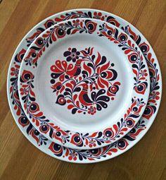 Alfoldi porcelain. Folk meets the 1970s.