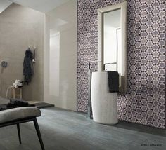 Salle de bain en ZelligeAït Manos Motif: El Kelaa Couleurs: Grey chine, Pearl grey, White Bathroom Pattern: El Kelaa Colors: Grey chine, Pearl grey, White