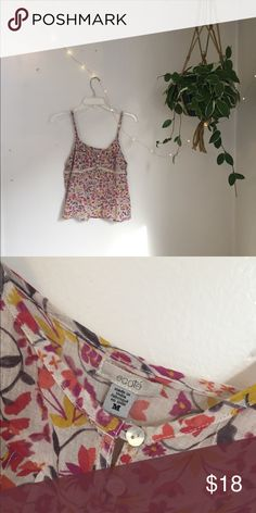 floral ecote tank top Only worn once, this floral ecote tank top from urban outfitters is light and versatile! Urban Outfitters Tops