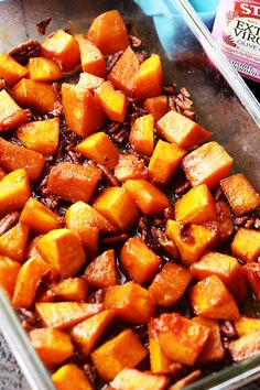 Honey Roasted Butternut Squash - A simple yet delicious side dish with roasted butternut squash and crunchy pecans combined with cinnamon and honey. It's perfect for weeknights and holidays, too!
