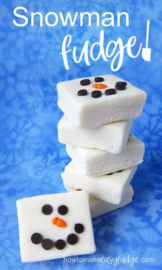 Stay inside where it's warm and cozy and enjoy building this snowman fudge to share with family and friends. Each little square of easy-to-make white . Christmas Fudge, Christmas Sweets, Christmas Candy, Christmas Cookies, Christmas 2019, Christmas Crafts, Christmas Decorations, New Year's Desserts, Cute Desserts