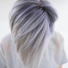 大家記得去年走紅的「老奶奶灰」染髮嗎?時尚的灰色讓許多人都一夜白髮,不僅是西方人連東方人都把老奶奶灰色駕馭的奪目有型...