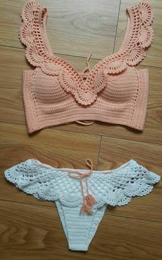 Bikini/bathing suit for small chest ❤ yourbody✨Seno piccoloCrochet Swimwear Crochet top bottoms Discovred by : Chiêu Firefly Easy AF Ways to Make a Crop Top With Stuff You Already Have For all you guys living that DIY life.Ideas For Swimwear Mode Crochet, Crochet Baby, Knit Crochet, Crochet Summer, Crochet Collar, Motif Bikini Crochet, Crochet Crop Top, Crochet Tops, Crochet Bikini Bottoms