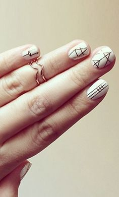 Minimal Nail Art Ideas for the Cool Festival Girl #loveandleather #nailedit